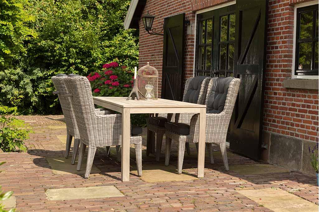 Sto Mondriaan 180x90 i baštenske stolice Louis i