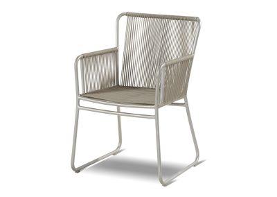 Baštenska stolica Ayanna
